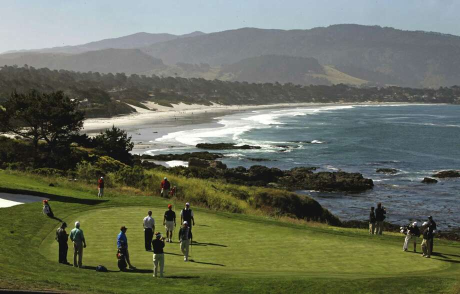 Grahamm Mcdowell Had Four Pars On Pebble Beach S 8th Hole Above En Route To