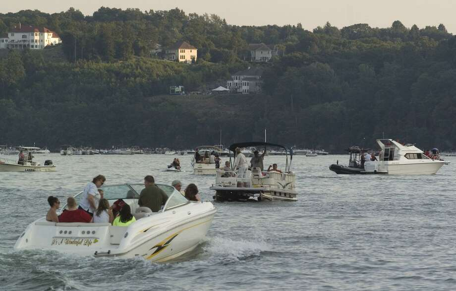 Spectators get in position with their boats for the annual fireworks show on Candlewood Lake near Danbury Town Park in this file photo. Photo: Jason Rearick / Jason Rearick / The News-Times