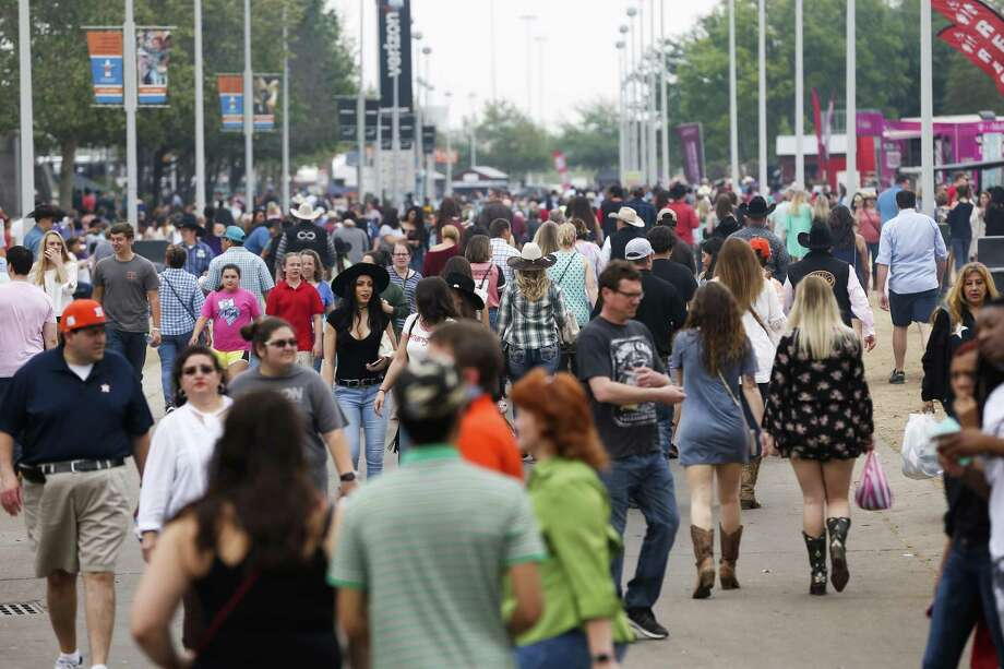 Crowds fill the grounds of the Houston Livestock Show and Rodeo on March 18, 2018, in Houston. Photo: Steve Gonzales, Houston Chronicle / Houston Chronicle / © 2018 Houston Chronicle