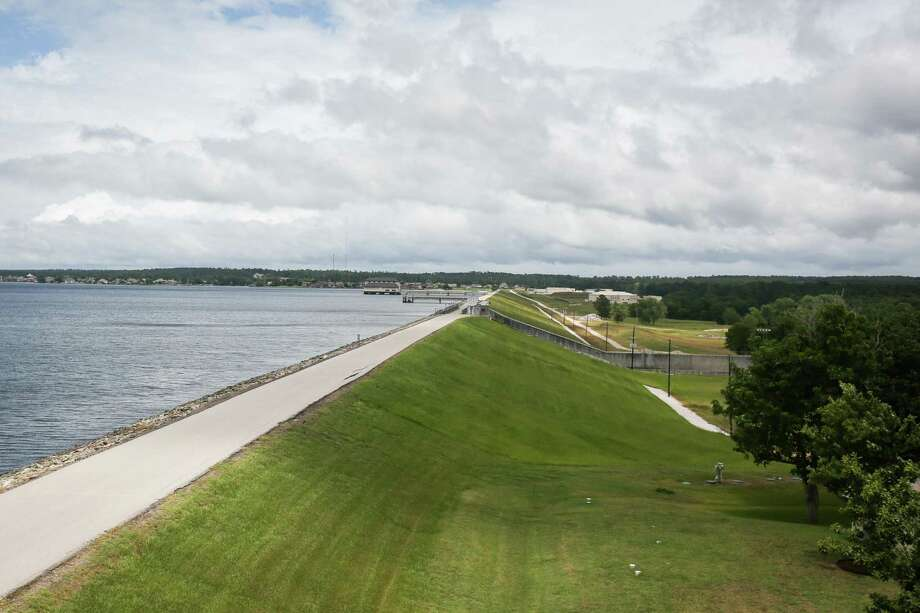 The Lake Conroe Dam is pictured from the San Jacinto River Authority offices on Monday, June 18, 2018. Photo: Michael Minasi, Staff Photographer / Houston Chronicle / © 2018 Houston Chronicle