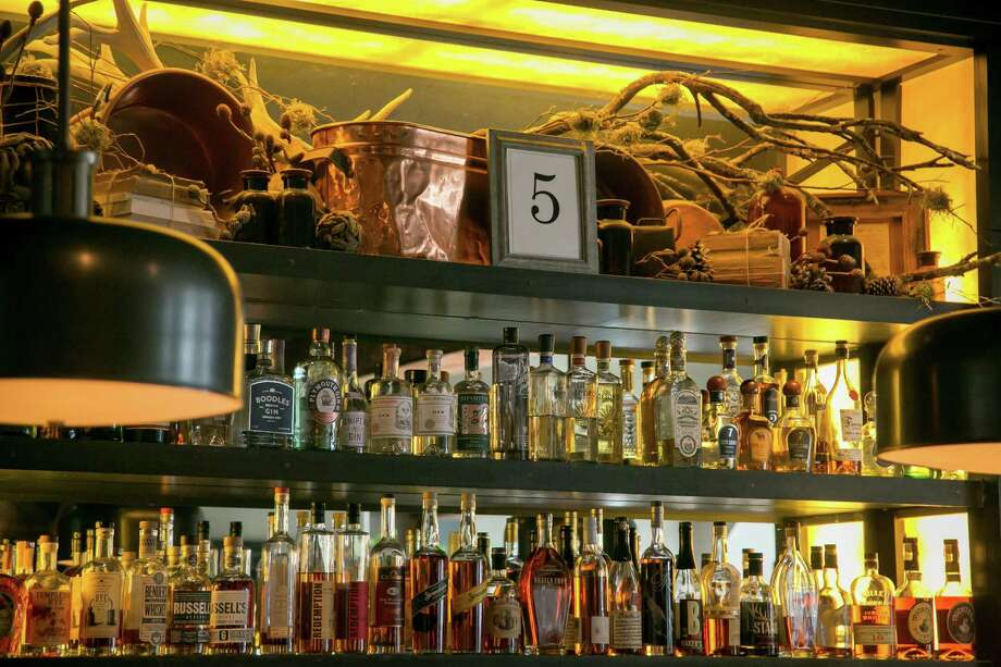 The bar at Park Tavern, which has room for working guests during the day Photo: John Storey / Special To The Chronicle / ONLINE_Yes