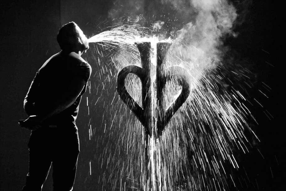 David Blaine Live coming to Oakdale with small & big tricks June 29