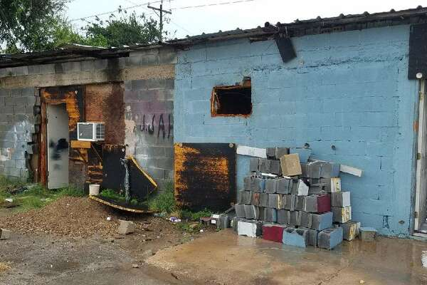 Over 50 illegal aliens were discovered in two separate stash houses within hours, federal authorities said. The apprehensions took place in Alamo, Texas and Mission, Texas on Tuesday.