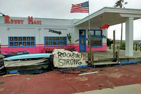"A popular ""Rockport Strong"" sign was stolen from Rowdy Maui, a Rockport souvenir shop, upsetting the residents of the community."