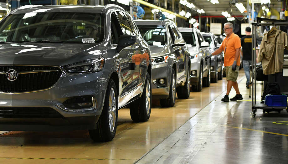 Buicks roll off the line at General Motors' Lansing Delta Township Assembly Plant in Delta Township, Mich., Tuesday, June 19, 2018.  (Matthew Dae Smith/Lansing State Journal via AP) Photo: Matthew Dae Smith / Lansing State Journal