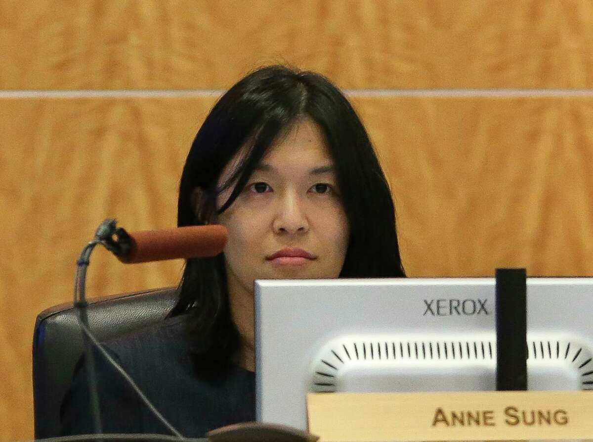 Houston ISD Trustee Anne Sung, shown here in June 2018, listens during a district school board meeting. ( Yi-Chin Lee / Houston Chronicle )