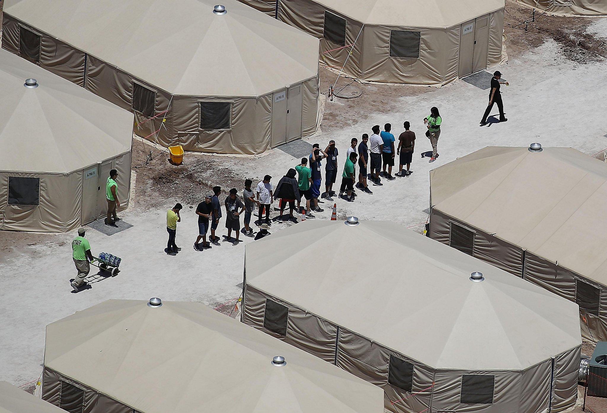 Laredo city council pushes against migrant tent facility near International Bridge