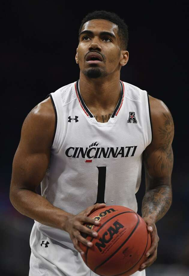 Jacob Evans #1 of the Cincinnati Bearcats attempts a free throw during the final game of the 2018 AAC Basketball Championship against the Houston Cougars at Amway Center on March 11, 2018 in Orlando, Florida. Photo: Mark Brown / Getty Images / 2018 Getty Images