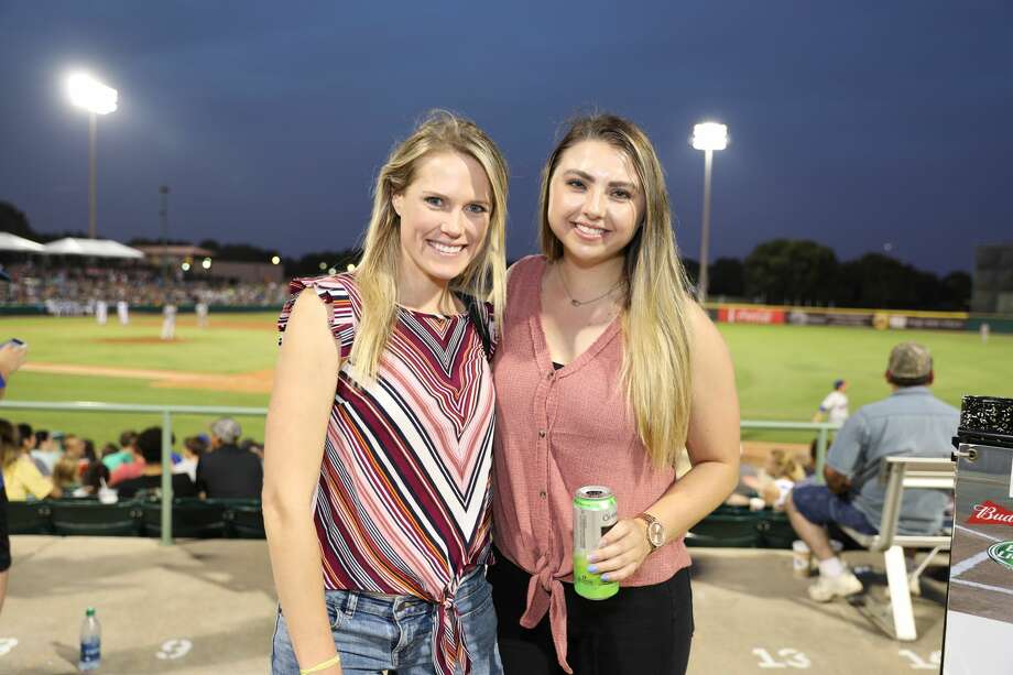 At Nelson Wolff Stadium on June 21, 2018, the Flying Chanclas de San Antonio defeated the Midland RockHounds by a score of 5-1. This family fun event had fans on their feet cheering players, free t-shirts, and the Puffy Taco. Photo: Marco Garza For MySA