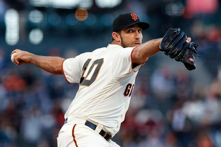 SAN FRANCISCO, CA - JUNE 21: Madison Bumgarner #40 of the San Francisco Giants pitches against the San Diego Padres during the first inning at AT&T Park on June 21, 2018 in San Francisco, California.  (Photo by Jason O. Watson/Getty Images)