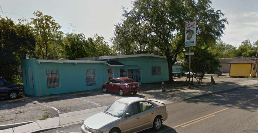 Los Laureles Cafe: 1918 West Ave. Date: 07/08/2019 Score: 84 Highlights: Inspectors observed staff not rinsing dishes before placing them in sanitizer solution. Plastic bags with handles were used as a food storage container. Prepared foods were improperly labeled. Unapproved drink containers were found around several work stations throughout the kitchen.