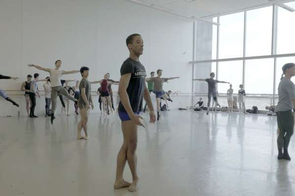 Danseur Examines Stereotypes Of Male Ballet Dancers Houstonchronicle Com