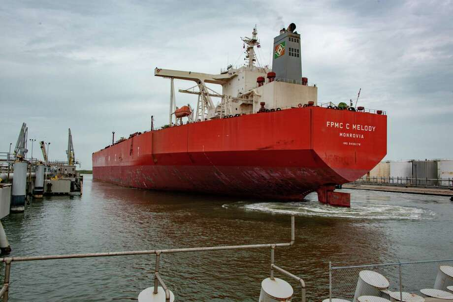 Crude oil production and exports soared during the last week of February while U.S. inventories grew slightly, a new report from the Department of Energy showed. Photo: Enterprise Products Partners L.P. / ENTERPRISE