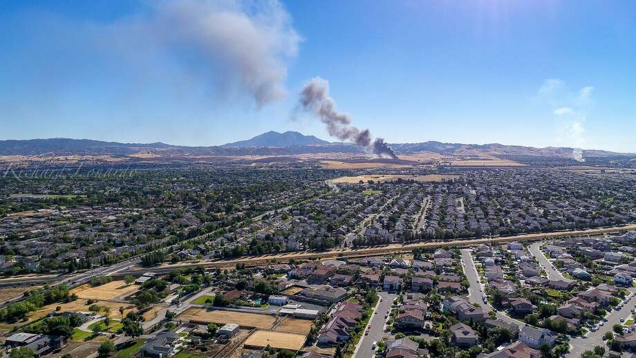 A fire broke out Saturday evening in east Contra Costa County. Photo: Rich L Photography / @RichLonardo