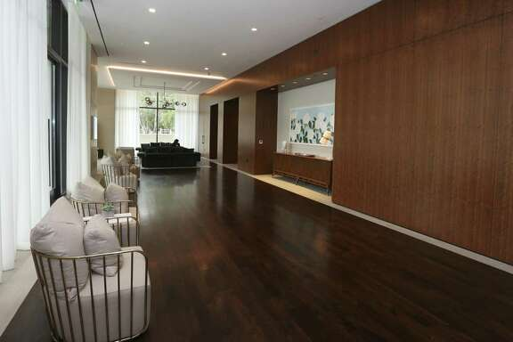 The River Oaks luxury high rise's lobby area is photographed after the near-four-year remodling of the 1960s building on Wednesday, June 20, 2018, in Houston.  ( Yi-Chin Lee / Houston Chronicle )