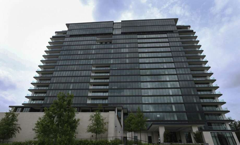 The River Oaks luxury high rise opens its doors to show the completion of the near-four-year remodling of the 1960s building on Wednesday, June 20, 2018, in Houston.  ( Yi-Chin Lee / Houston Chronicle ) Photo: Yi-Chin Lee / Houston Chronicle / © 2018 Houston Chronicle