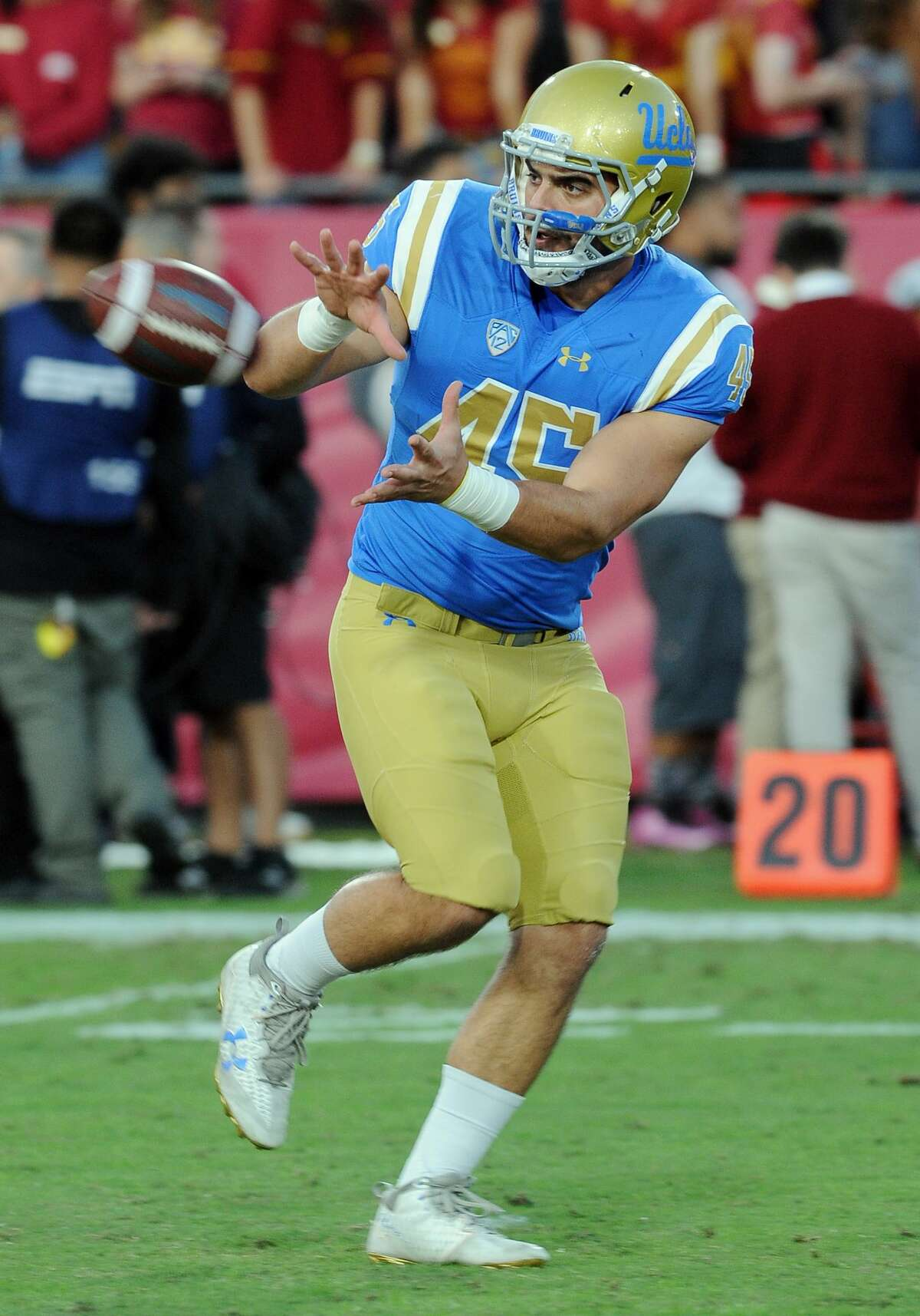 LOS ANGELES, CA - NOVEMBER 18: UCLA Bruins running back Giovanni Gentosi (45) catches a pass during pre-game warmups before a game against the USC Trojans, on November 18, 2017, played at the Los Angeles Memorial Coliseum in Los Angeles, CA. (Photo by John Cordes/Icon Sportswire via Getty Images)