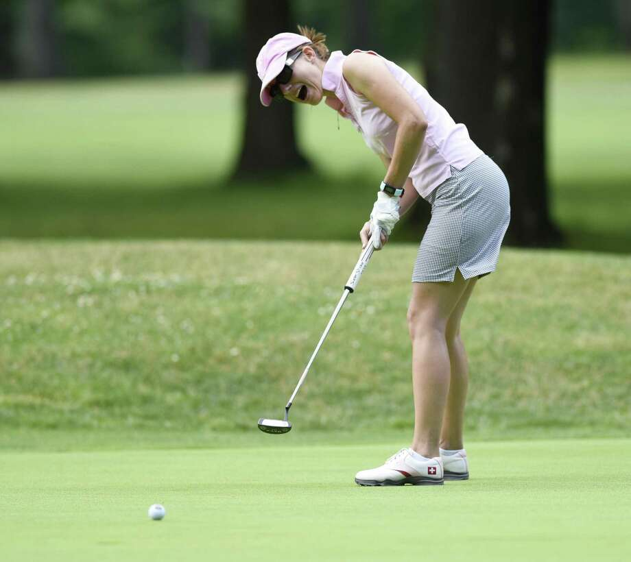 Overall champion Anne-Laure Coby reacts to narrowly missing a putt on the last hole in the Town of Greenwich Women's Annual Town Golf Tournament at Griffith E. Harris Golf Course in Greenwich, Conn. Monday, June 25, 2018. Photo: Tyler Sizemore / Hearst Connecticut Media / Greenwich Time