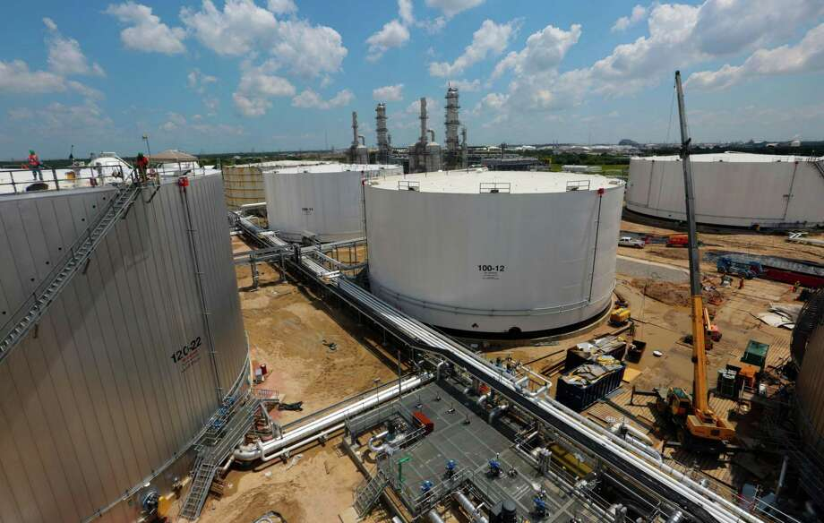 Tanks and Distillation Towers at the Kinder Morgan Splitter facility in Galena Park, Texas, June 2, 2015. (Billy Smith II / Houston Chronicle) Photo: Billy Smith II, Staff / Chronicle / Â 2015 Houston Chronicle