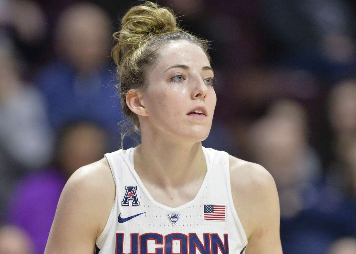 UNCASVILLE, CT - MARCH 05: UConn Huskies Guard Katie Lou Samuelson (33) during the game as the Cincinnati Bearcats take on the UConn Huskies on March 05, 2018 at the Mohegan Sun Arena in Uncasville, Connecticut. (Photo by Williams Paul/Icon Sportswire via Getty Images)