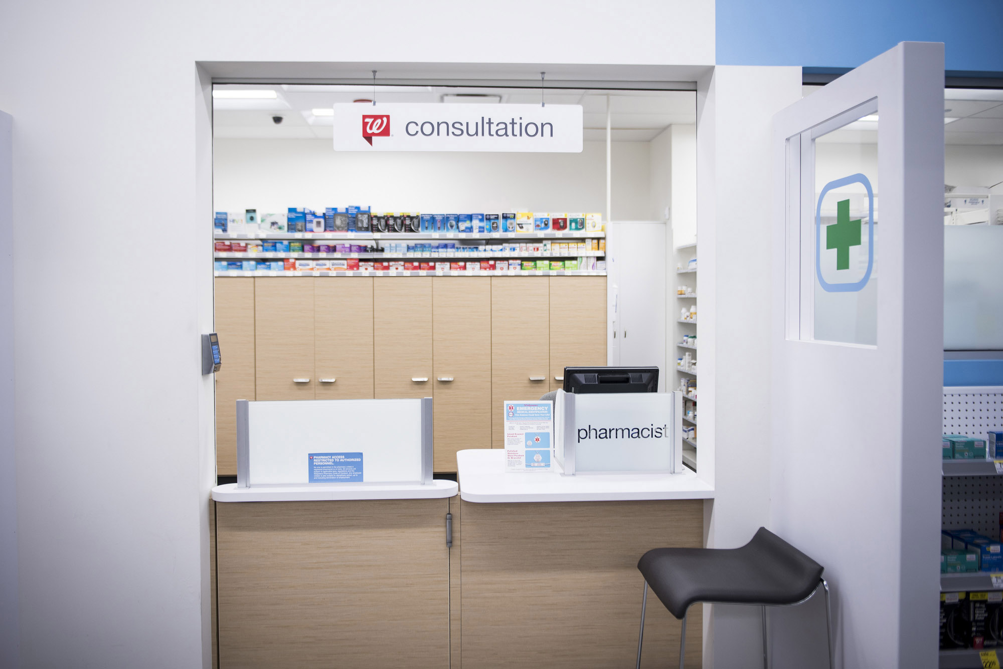 Walgreens beefs up pharmacist training after woman denied drug - The ...