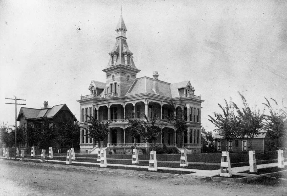 The original J. Waldo home was moved from 1213 Rusk to the Westmoreland Addition in 1905.