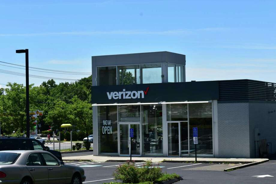 Verizon's newly opened retail store at 310 Connecticut Ave. in Norwalk, Conn., formerly an HSBC bank branch. Verizon has more than 30 company-owned and independent retail outlets in southwestern Connecticut, with the company on the cusp of rolling out 5G mobile service in trial markets nationally billed with sufficient broadband speeds to offer a replacement for cable Internet service. Photo: Alexander Soule / Hearst Connecticut Media / Stamford Advocate
