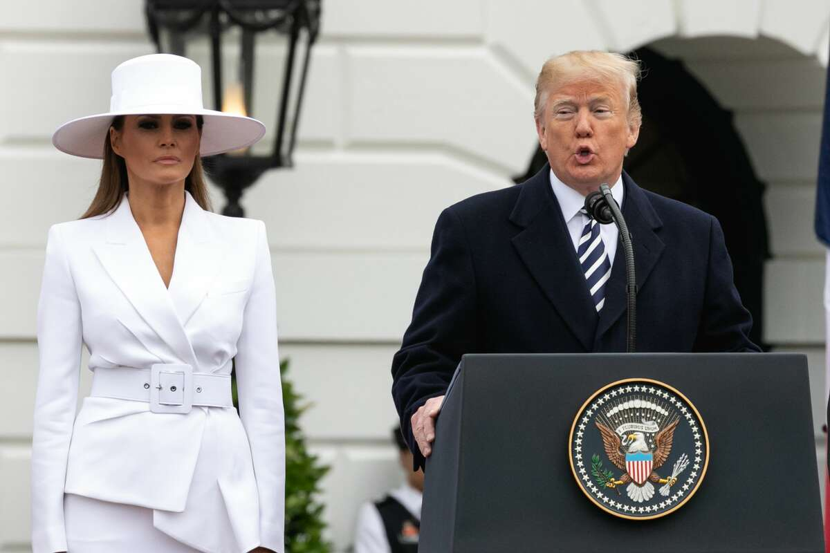 Melania Trump's outfit for the arrival of President Macron brought a lot of comparisons to Beyonce and Olivia Pope.