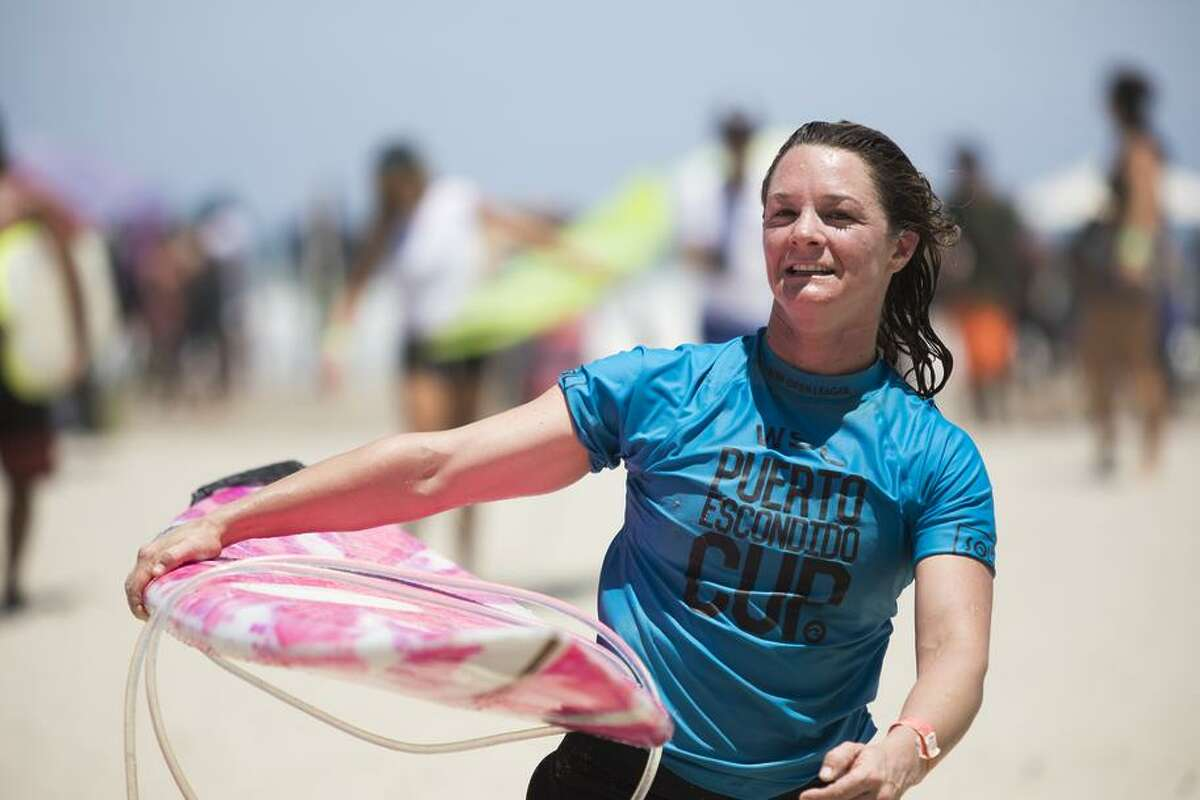 With women allowed in the Puerto Escondido Cup for the first time, Valenti took home $1,750, far less than the male winner.