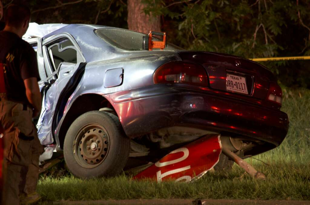 Man charged in crashed that killed mother, injured 2 kids