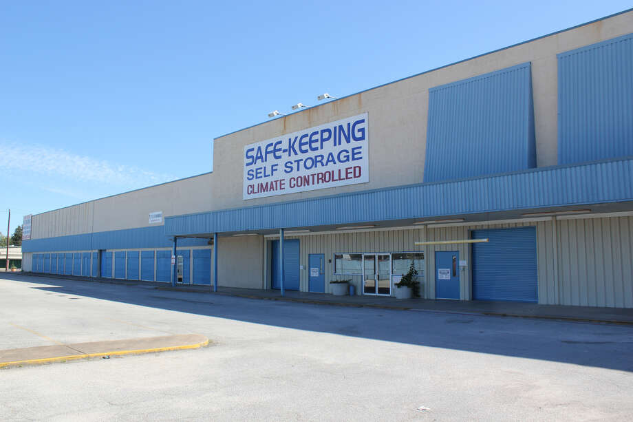 Merit Hill Capital has purchased the 782-unit Safe Keeping Self Storage facility at 120 S. Alexander Drive New York-based Merit Hill Capital has purchased the 782-unit Safe Keeping Self Storage facility in Baytown from Houston-based Weiss Realty Group. The 76,485-square-foot property at 120 S. Alexander Drive in Baytown. Photo: JLL