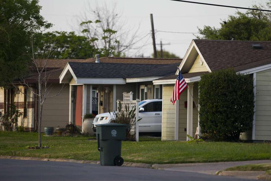 How victims, local officials and an aloof FEMA put flooded