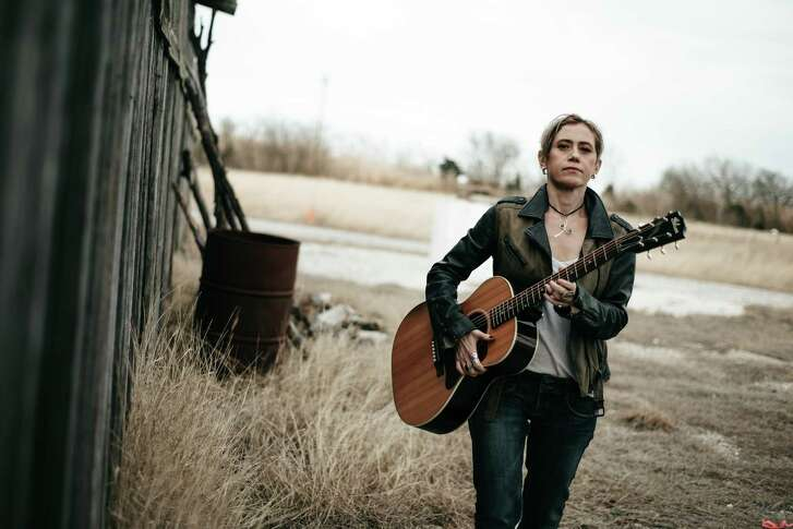 Giulia Millanta is a singer and songwriter from Italy who lives in Austin.