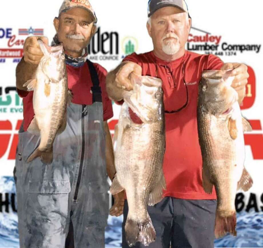 Randy Gunter and Mickey Mueller won the CONROEBASS Tuesday Tournament with a stringer total weight of 18.64 pounds. Photo: CONROEBASS