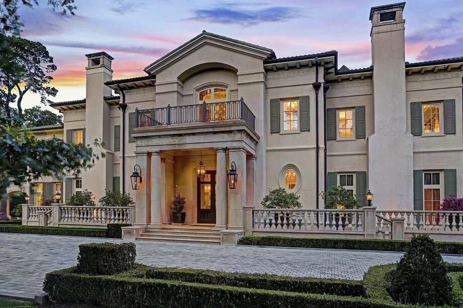Marvelous Johnny Carrabbau0027s Memorial Estate Is Being Listed For Nearly $19 Million.  Photo: TK Images
