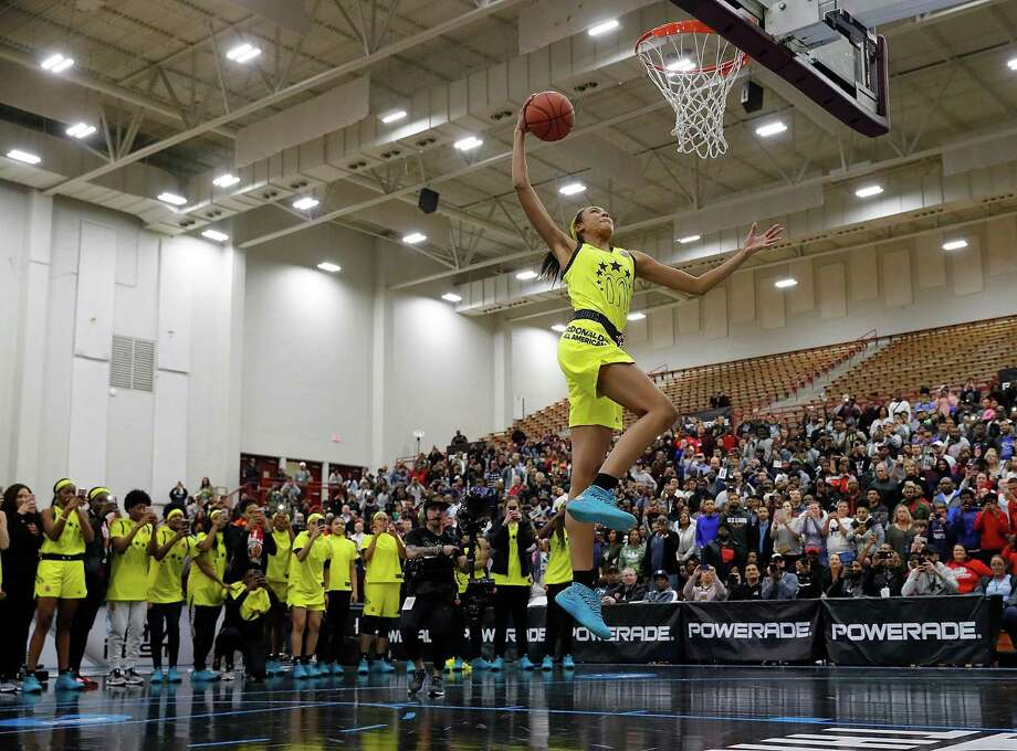 Olivia Nelson-Ododa of Winder-Barrow High School dunks during the 2018 McDonald's All American Game POWERADE Jam Fest at Forbes Arena on March 26, in Atlanta, Georgia. Photo: Kevin C. Cox / Getty Images / 2018 Getty Images