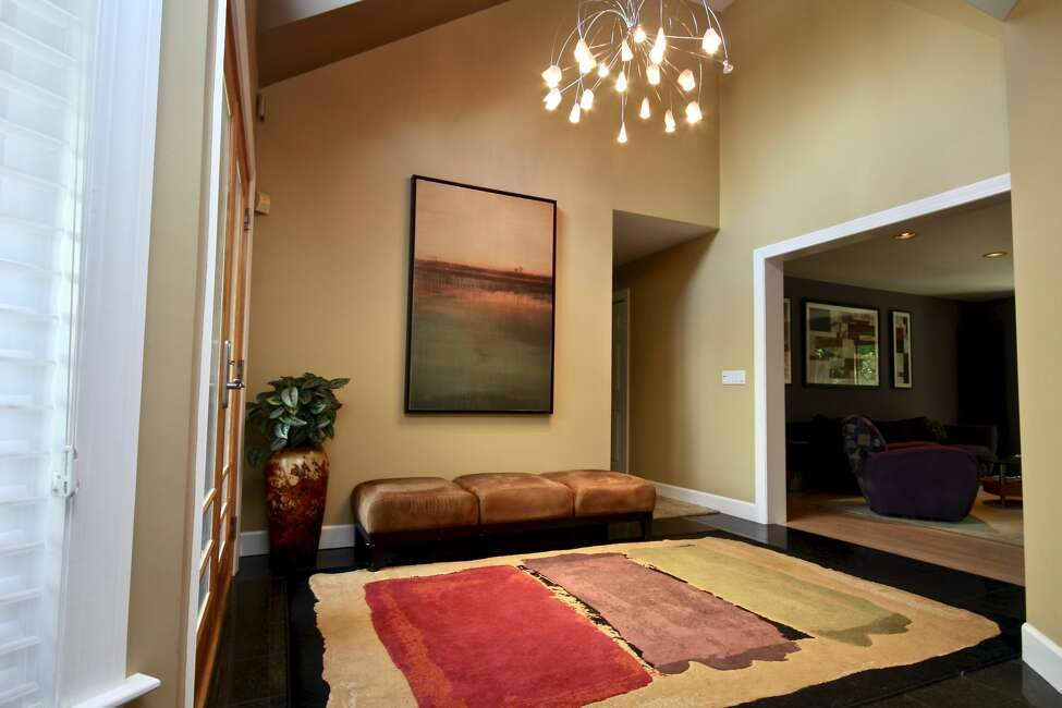 House of the Week: 20 Durham Court, Delmar | Realtor: Julie Sasso McSharry & Associates | Discuss: Talk about this house