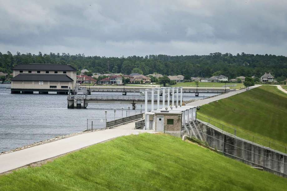 The Lake Conroe Dam is pictured from the San Jacinto River Authority offices. Photo: Michael Minasi, Staff Photographer / Houston Chronicle / © 2018 Houston Chronicle