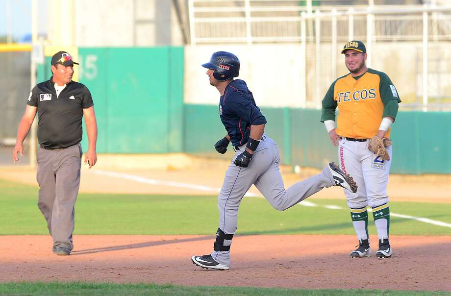 Shortstop Josh Rodriguez hit a solo home run for the Tecolotes Dos Laredos as part of a 7-3 victory during an exhibition game against the Tecos de Nuevo Laredo from the Northern League of Coahuila Thursday night at Uni-Trade Stadium. Photo: Cuate Santos /Laredo Morning Times / Laredo Morning Times
