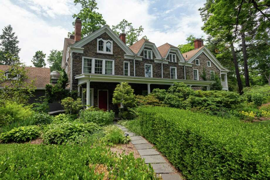 00f01f34375 Restaurant review  Hasbrouck House in Ulster County - Times Union