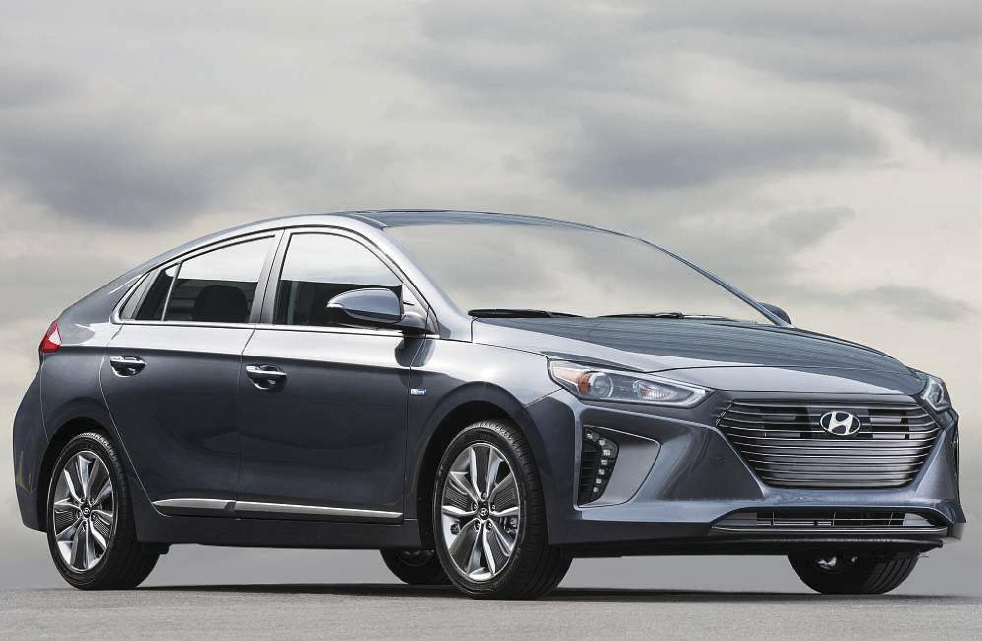 Hyundai's 2018 Ioniq Hybrid has starting price of $22,200