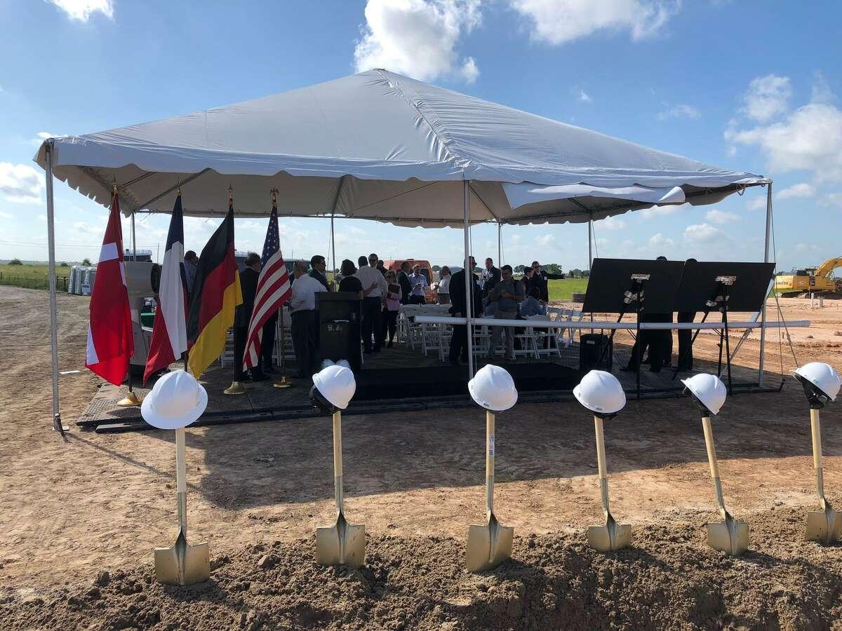MAN Diesel & Turbo broke ground last week on its newU.S. headquarters, located near Katy in Waller County.