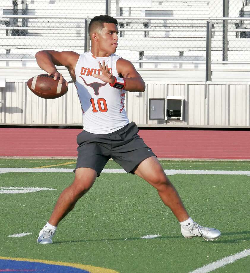 Wayo Huerta and United were eliminated Saturday by a 46-45 loss to Mission in the second round of the Division I consolation bracket at the 7on7 State Championships. Photo: Cuate Santos /Laredo Morning Times File / Laredo Morning Times
