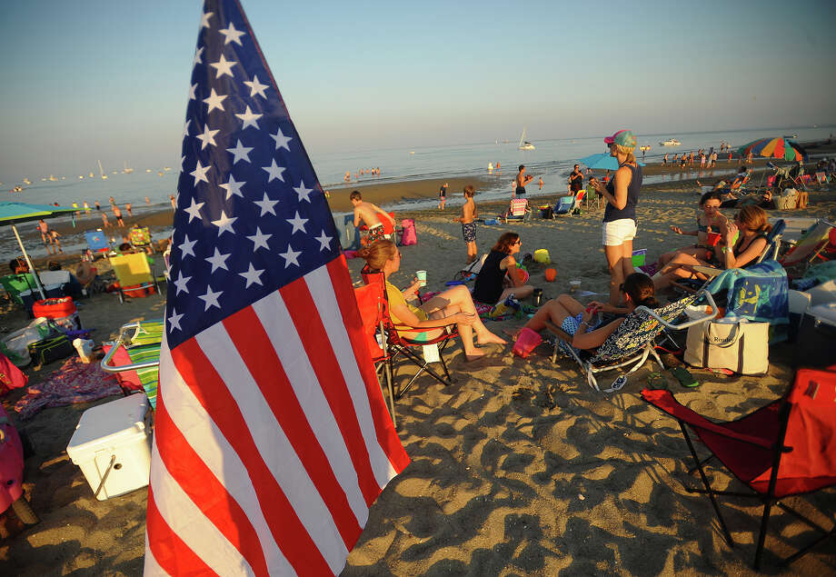 Penfield Beach is packed for the Fairfield Fireworks in Fairfield, Conn. on Monday, July 2, 2018. Photo: Brian A. Pounds, Hearst Connecticut Media / Connecticut Post