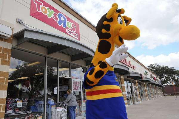 Toys R Us Comes Crawling Back Just In Time For The