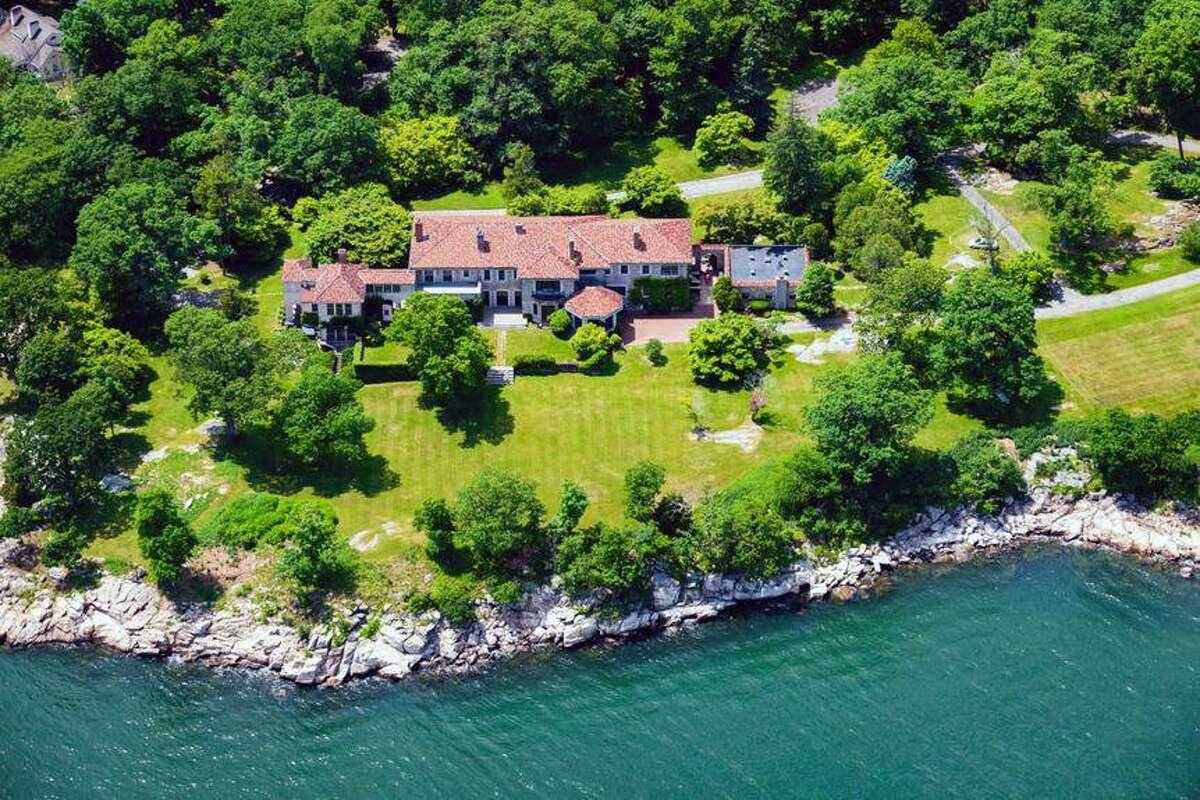 Great Island property on 19 Great Island Road.