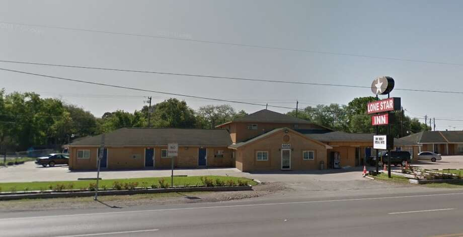 The Fort Bend County Narcotics Task Force executed search warrants at the Lone Star Inn in Rosenberg on June 28, 2018 and made eight arrests. Photo: Google Earth