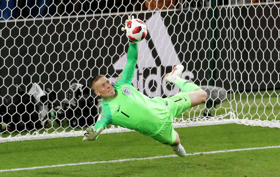 England Defeats Colombia On PKs To Reach World Cup