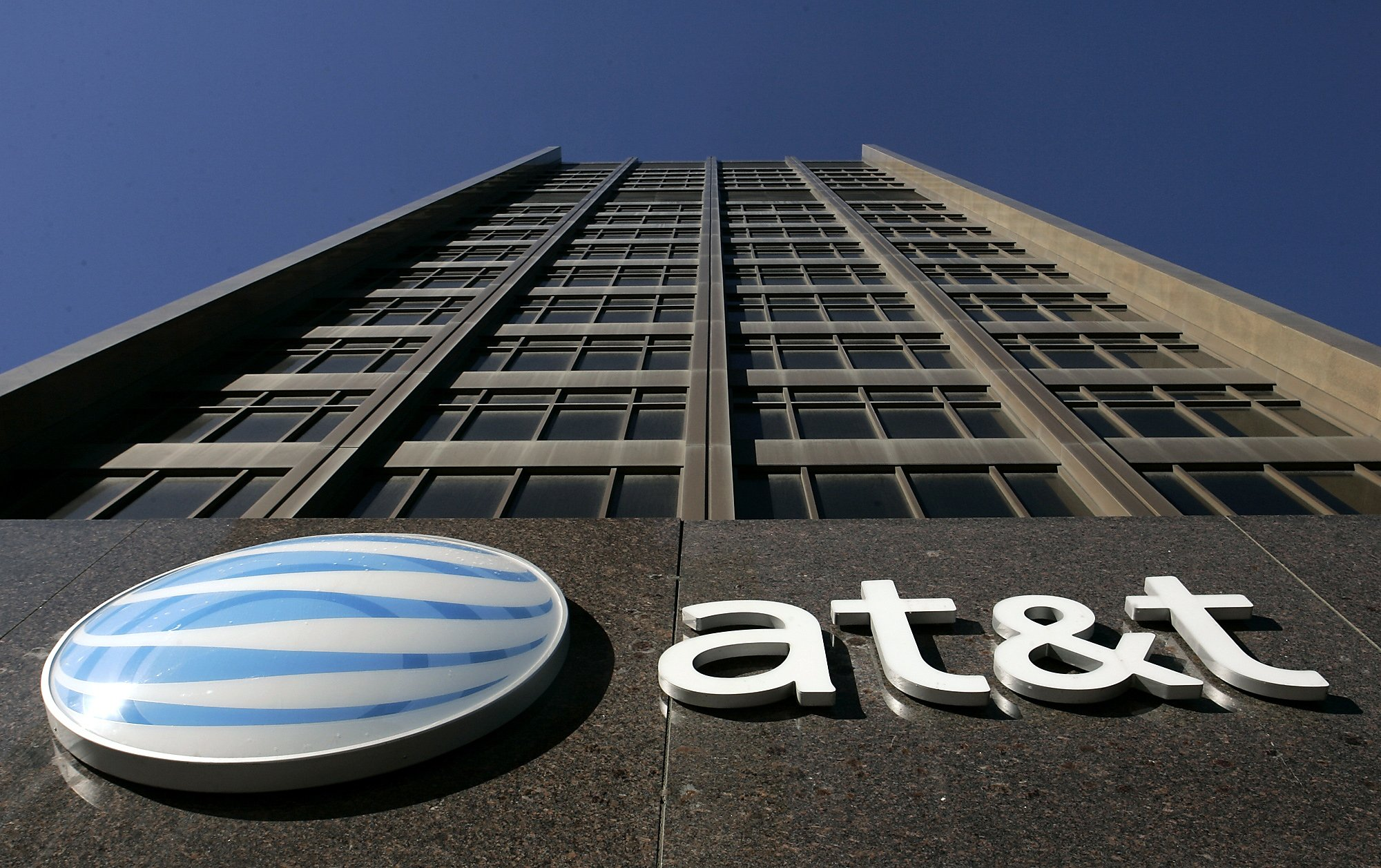 Californians' class-action against AT&T over phone speeds can proceed