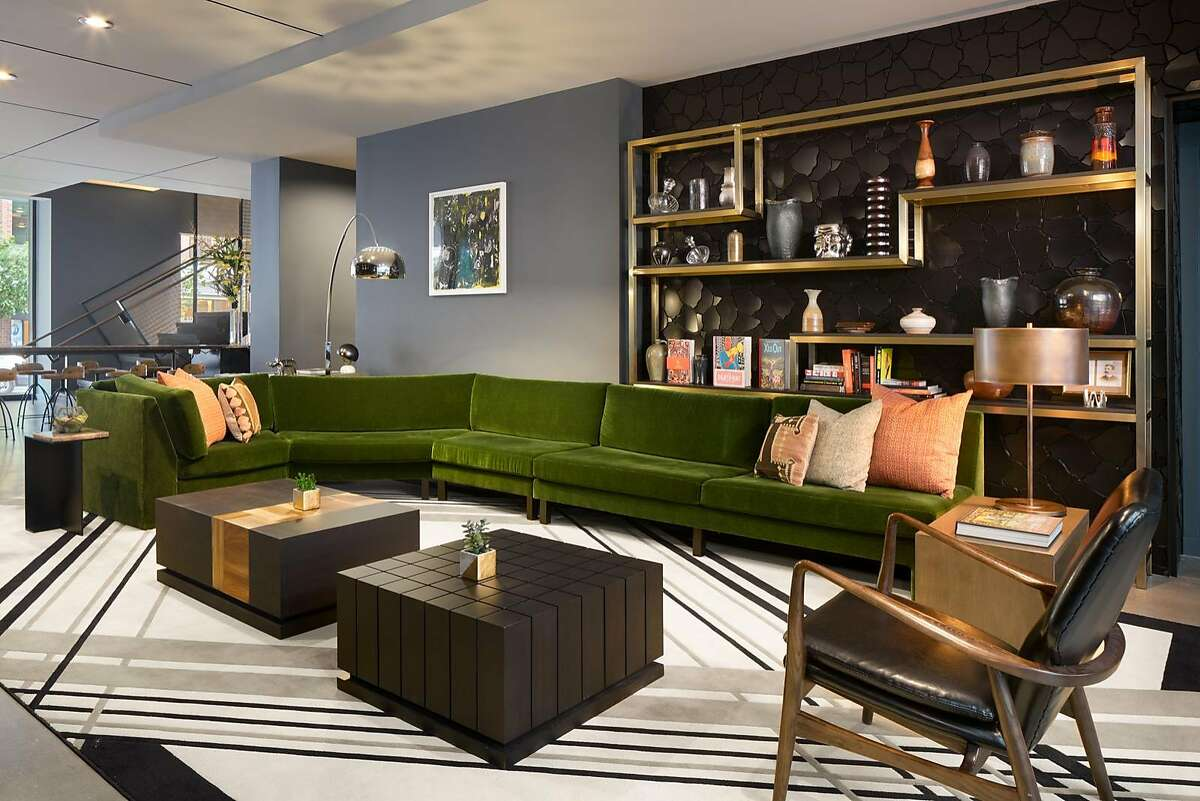 The intimate lobby of the 155-room Thompson Seattle reflects the hotel�s contemporary take on midcentury modern design.